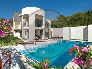 Nice home in Klis w/ Outdoor swimming pool, Outdoor swimming pool and 3 Bedrooms
