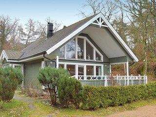 Nice home in Varekil w/ WiFi and 3 Bedrooms