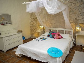 Romantic Villa, ldeal for couples. Casa Antiga.