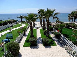 Palm Beach Villa Faros Pervolia