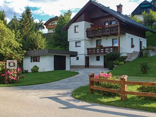 Awesome apartment in Bled with WiFi and 2 Bedrooms (SGR149)