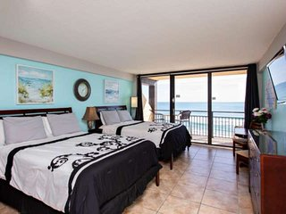 Top Floor Direct OceanFront Updated Unit at Hawaiian Inn w/ 2 Queen Beds, Privat