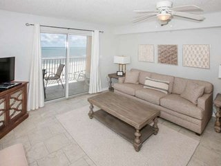 Newly redecorated Gulf-front on 7th floor | Outdoor/Kiddie pools, Hot tub, Wifi