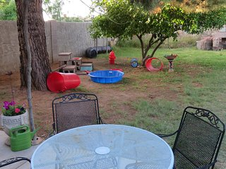 Barrio Puppy Play Land - Sleeps 7- CHEMICAL FREE! Easy access to all of Phoenix