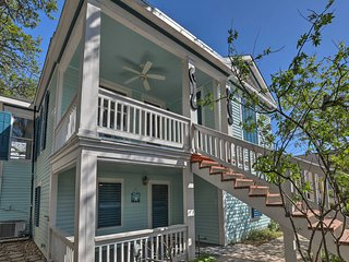 NEW! Modern Galveston Cottage-10 Min Walk to Ocean