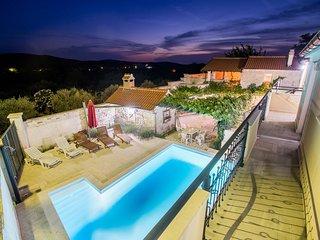 Villa Grapes
