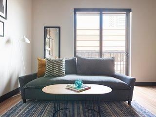 Sonder | Mill Ave | Warm 1BR + Balcony