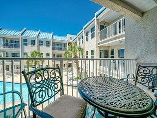 *New Listing* 2BR Poolside Villas Condo - Quiet Beach Location!