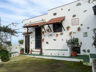 2 bedroom Villa with Air Con and WiFi - 5789554