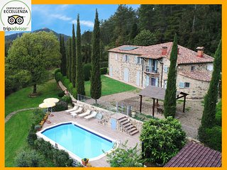 Tuscany Villa with pool - Villa le Capanne holday in private villas