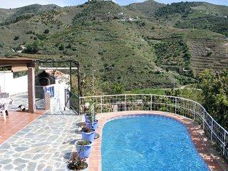 2 bedroom Villa with Pool - 5789511