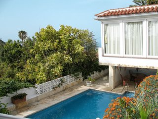 2 bedroom Villa with Pool - 5789544