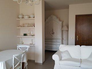 CASA SHABBY : bell'appartamento in centro al paese a pochi passi dal Lungo Lago