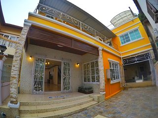 7 Bedroom Sairougn Villa in Patong