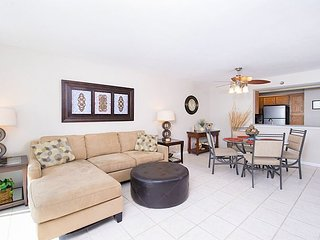 1BR, 1.5BA Gulf Front Perdido Key Condo w/2 Pools, Near Dining & Shopping