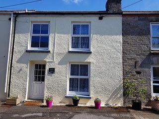 Lovely homely cottage, parking, near Fowey, walk to Beach, close to Eden Project