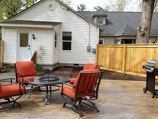 *Charming 2BR* 800sf Guest Suite* Large Private Patio*Prime Location*Family Fun!