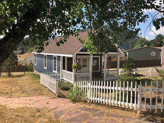 Golden Leaf Cottage -- Handicap Accessible