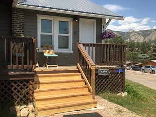 Stay in our Aspen Cottage and walk to town!