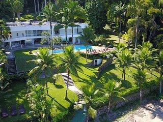 Villa espetacular com oito quartos e praia privativa