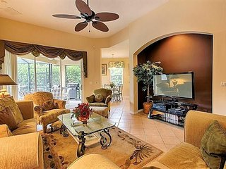 6BR 5Bth Calabay Parc Home with Private Pool, Spa and Gameroom
