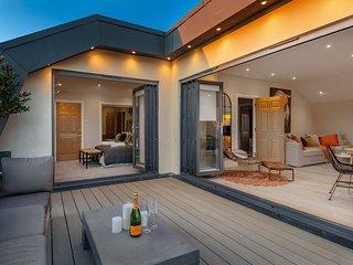 Superior Stays Luxury Penthouse - Bath City Centre