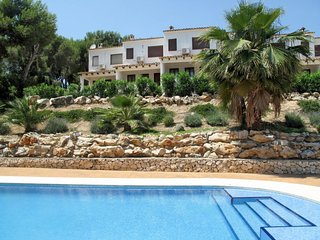 3 bedroom Villa with Pool - 5789605