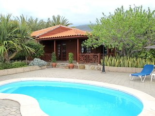 3 bedroom Villa with Pool and WiFi - 5789543