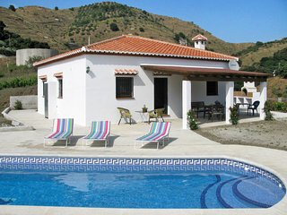 3 bedroom Villa with Pool, Air Con and WiFi - 5789510