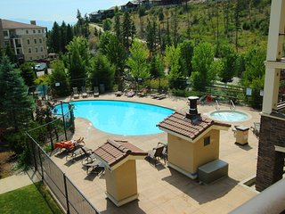 Pinnacle Pointe Resort, 3 bed/ 2 bath next to Okanagan golf course
