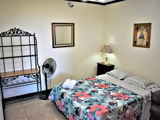 3  bedroom   20 min San Jose airport Free  Cont. Breakfast  first day! Apt#1