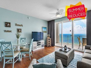 Updated Condo w/ Pool~Hotub~Gym * Resort +FREE VIP Perks! BEACH View! 8th FLR