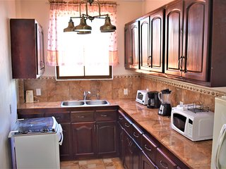 1 bedroom(2beds) Views! 20min to San Jose Airport .Free Cont. Breakfast  #5Apt