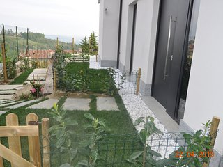 HOLIDAY FLAT / SHORT STAY CASA TINA  FLAT 2 GARDEN/MOUNTAIN VIEW