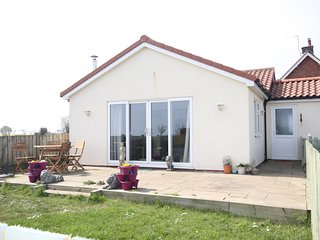 Sea View Detached Bungalow Mappleton, pet & child friendly, with private garden.