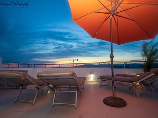 2 Level PentHouse with Terrace and Pool-OceanView