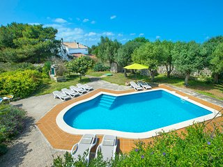 5 bedroom Villa with Pool, Air Con and WiFi - 5789399