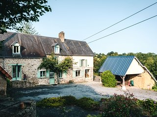 Omaha Suite-La Thiaumerie, Farmhouse B&B.