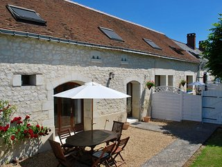 Beautiful one-bed gites in stunning location with private garden and pool