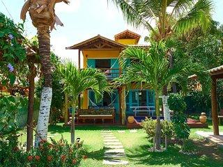'LA VILLA TROPICALE' linda casa com piscina pertinho do mar !