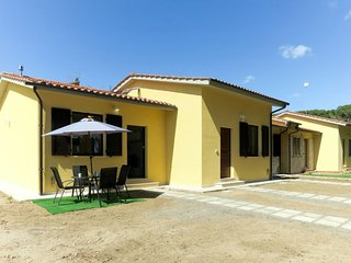 1 bedroom Villa with WiFi and Walk to Beach & Shops - 5790254