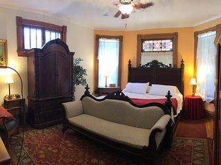 Primrose Garden Bed and Breakfast Hocking Hills Ohio - 1st Choice Cabin Rentals