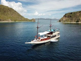 Private Chartered Liveaboard Anthias Cruise & Dive