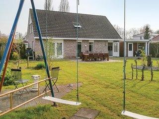 Nice home in Zeewolde w/ Outdoor swimming pool, Outdoor swimming pool and 4 Bedr
