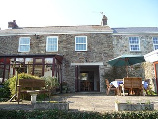 Beautiful Farmhouse for beach/country holiday less than 1 mile from Perranporth