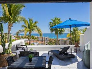 1 BR Luxury Condo - Epic Coastline, Ocean & Mountain Views!