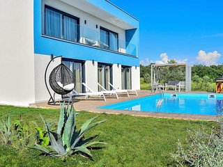 2 bedroom Villa with Pool, Air Con and WiFi - 5707220