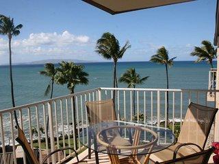 Ocean Views -Remodeled Top Floor 2bd/2ba Condo - Kamaole Nalu #603