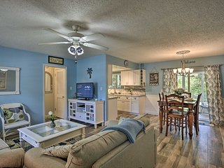 NEW! Quaint Vero Beach Home - 5.3 Mi to the Ocean!
