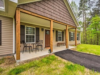 NEW! Dahlonega Home w/Yard near Hiking & Downtown